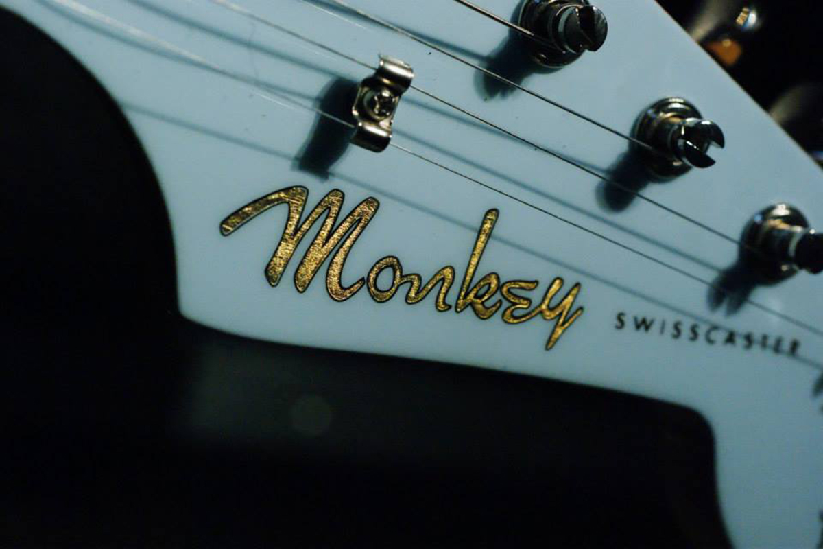 monkey-guitars-swisscaster-gold-logo